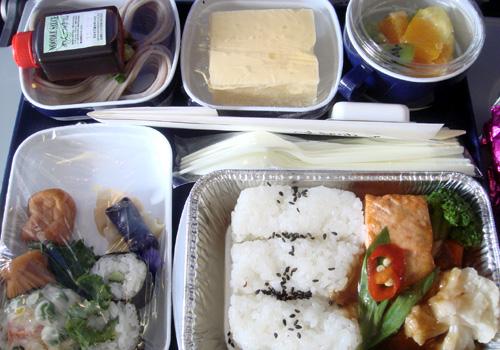 中国南方航空の機内食1.jpg