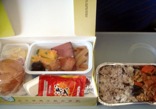 中国南方航空の機内食3.jpg